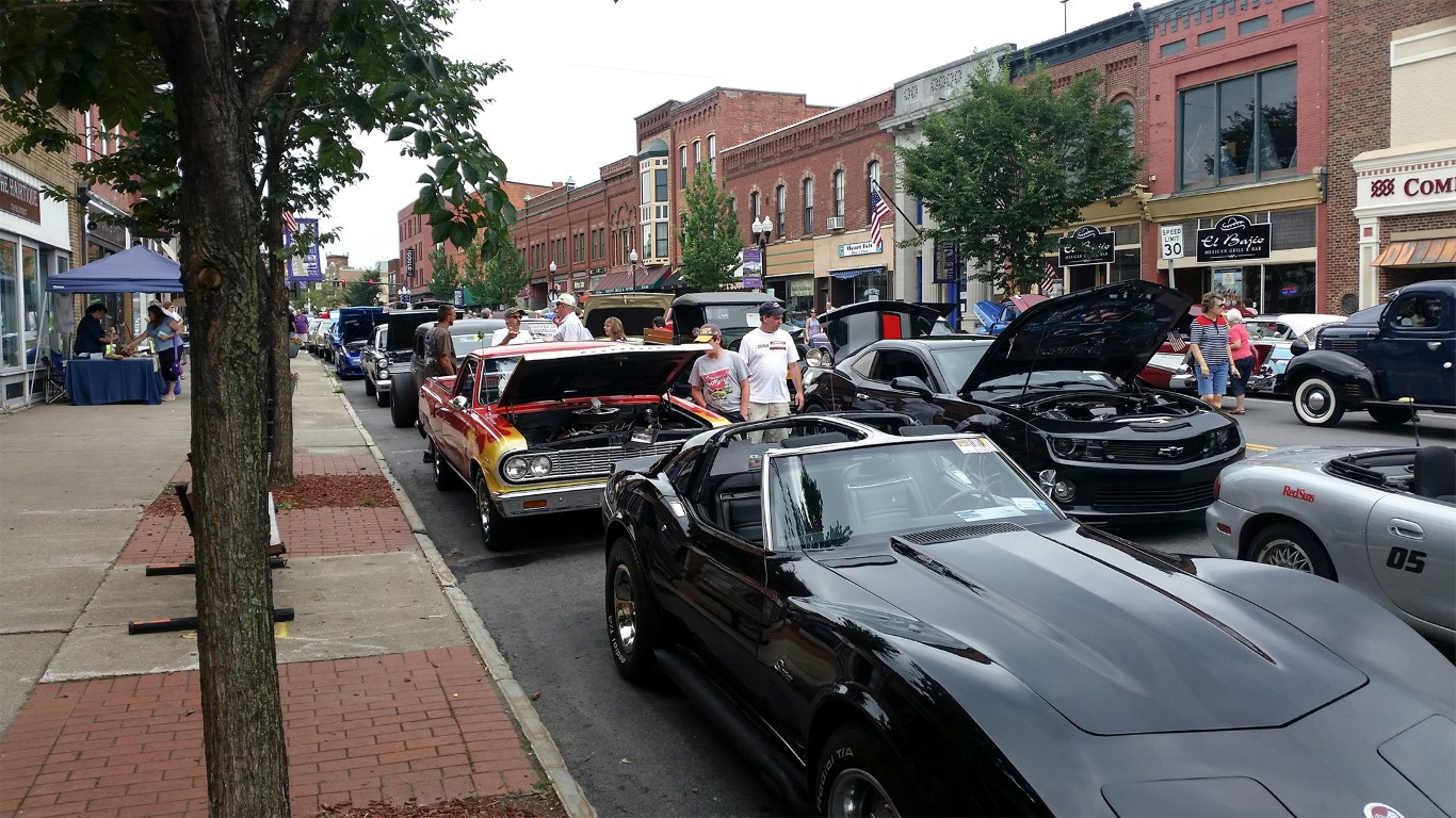 Classic cars cruise into Seneca Falls (photo)